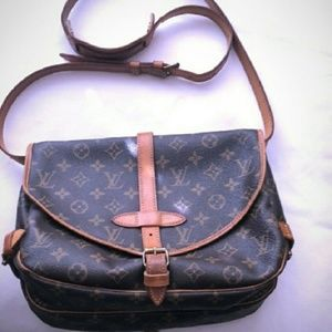 Louis Vuitton Samur 30